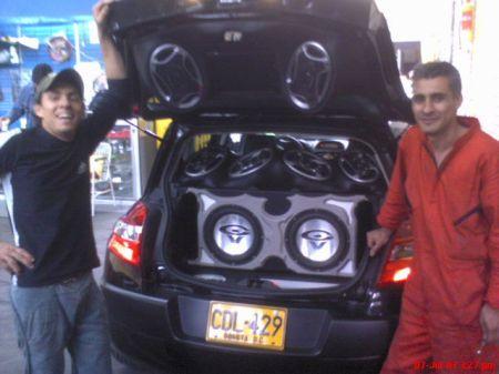 Técnicos en sonidos de radios