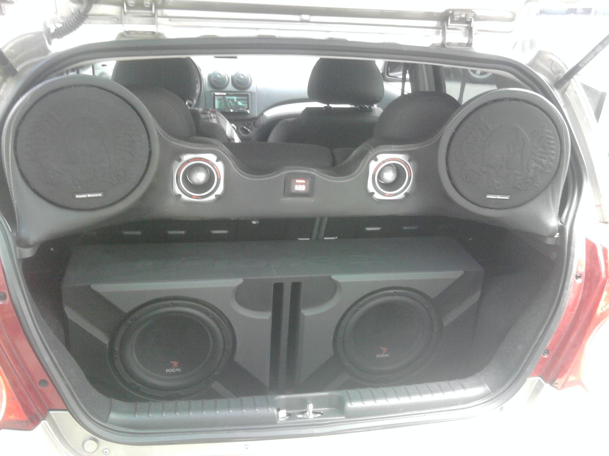 foto car audio maletero: