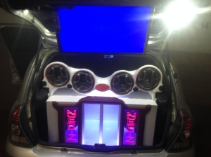 Radio para carro pantalla Montaje Clio Hertz, Medios. SV 165 Hertz., TWETERT ST 44 HERTZ
