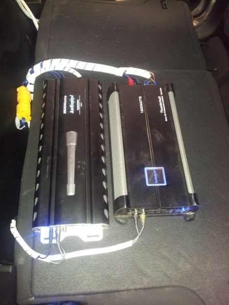 Amplificadores Audiopipe Clase D 1500 watios, MONTAJES EN FIBRA DE VIDRIO, Bandejas de sonido en fibra de vidrio, Cajas Acústicas tipo Turbo, Caja de sonido para automóviles, Radios de Usb, Mp3, Pantalla Dvd, Aux, Cabeceros de Monitor, Espejos de Retrovisor con pantalla, Alarmas Con GPS tracker, Bloqueo electrónico de encendido de motor.