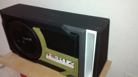"""Subwoofer Hertz de 12"""" sx 300 de 800 rms"""